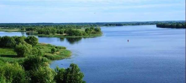 Однодневный речной круиз натеплоходе для 1, 2или 4человек вНиколо-Угрешский монастырь сэкскурсионным сопровождением имузыкальной программой откомпании «Столичный флот»
