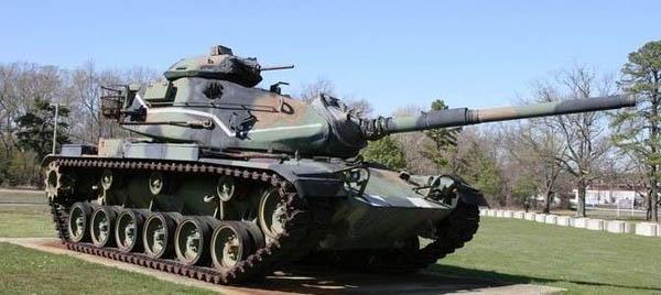 Поездка натанке Т-62 для одного или двоих откомпании «Воентанктур»