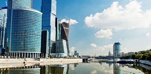 Прогулка на теплоходе с ужином на борту для детей и взрослых с экскурсией по Москва-Сити и с подъемом на эксклюзивную смотровую площадку от компании «Moskva-Siti»