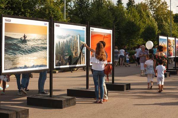 Фотовыставка «Дубай: опережая время» на Центральной аллее Парка Горького