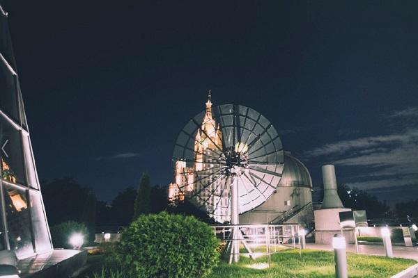 Ежегодная акция в Московском Планетарии «100 часов астрономии»