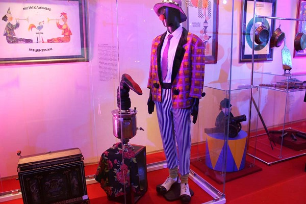 Выставка «Парад-алле Музыка под куполом цирка»