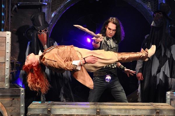 Halloween-шоу «Дом призраков» в Цирке Чудес