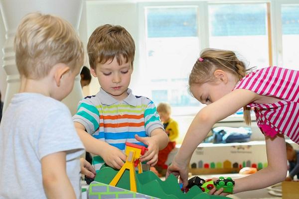 Детская железнодорожная игровая площадка «Паровозия»