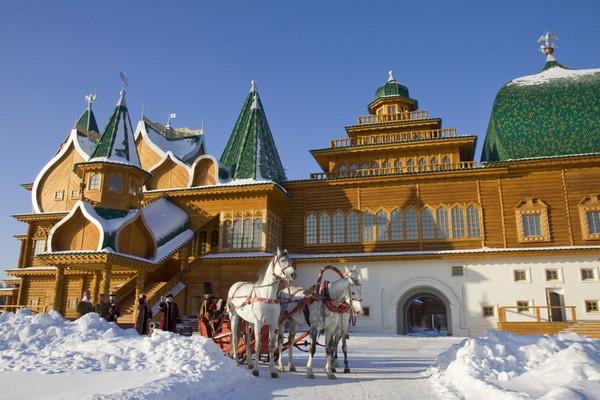 Новогодние представления для детей «Елка в царском дворце» в Коломенском