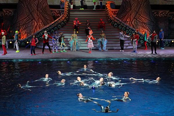 Новогоднее цирковое подводное шоу «Пираты подземного моря»