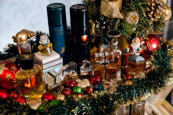 Подарки с запахом волшебства от Московского Музея Парфюмерии.  – 30% на все винтажные французские духи.