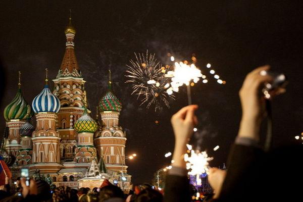 Автобусная экскурсия «Новогодние приключения в Москве (для детей 6–13 лет)» от компании «Незабываемая Москва»