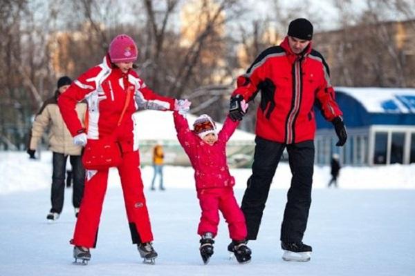 Бесплатные тренировки для детей на катке в Измайловском парке