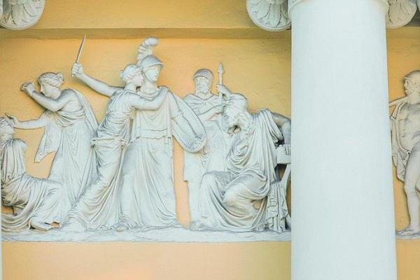 Выставка «Страна героев и богов…»