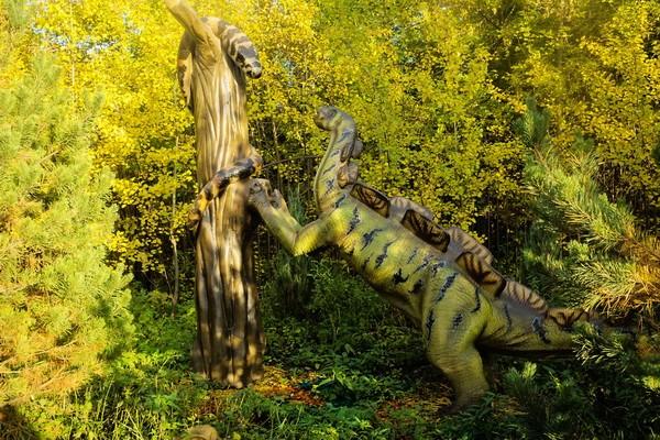 Парк динозавров в Сказке