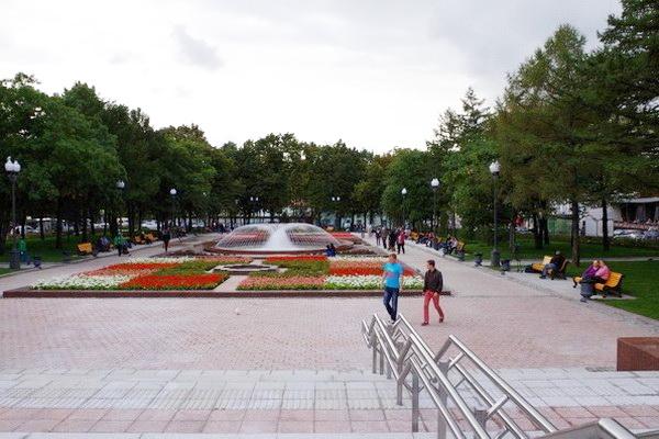 Новопушкинский сквер