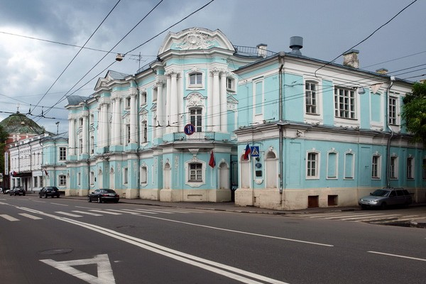 Дом-комод