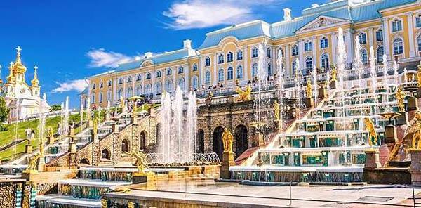 Автобусные туры в Санкт-Петербург на праздник открытия или закрытия фонтанов, а также на праздник «Алые паруса» от туроператора Delta