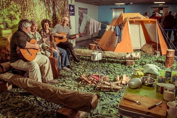 Советский первомай: уютно с гитарой и в «трениках» со штрипками. Майские праздники в историческом парке «Россия-Моя история»