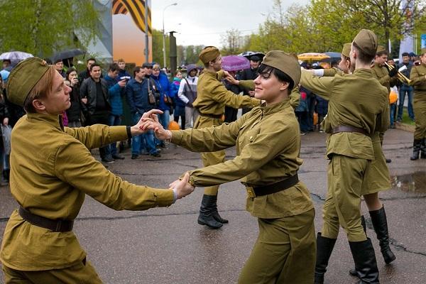День Победы на Аллее Космонавтов