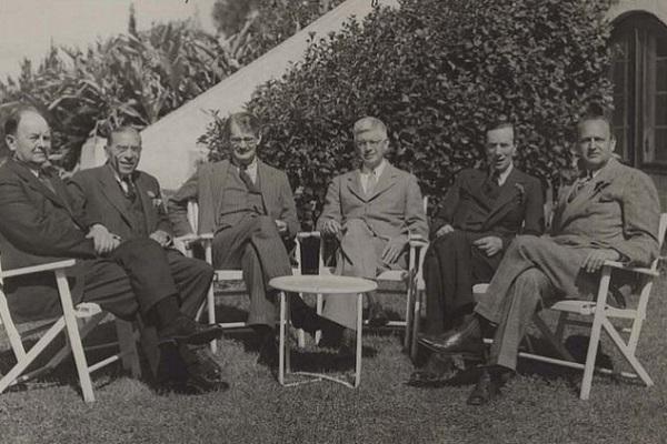 Выставка «Закрытые границы. Очерки дипломатической истории 1938-1943»