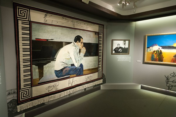 Выставка «Быть с веком наравне»