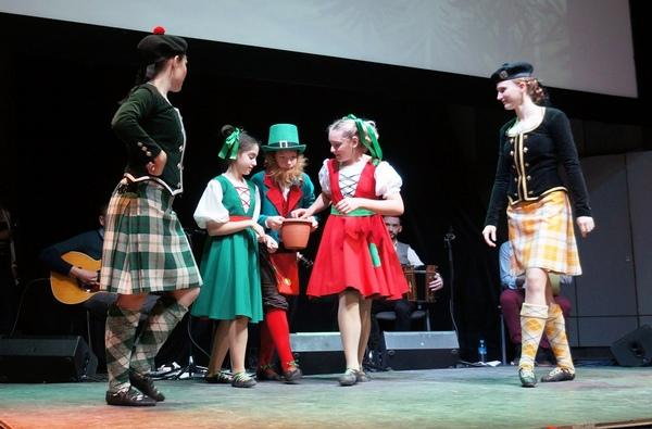 Ирландская музыка и танцы на Самайн с Boxing Banjo