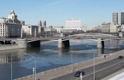 Бесплатная пешеходная экскурсия «Бородинский мост и его окрестности» от компании «Твоя Москва»