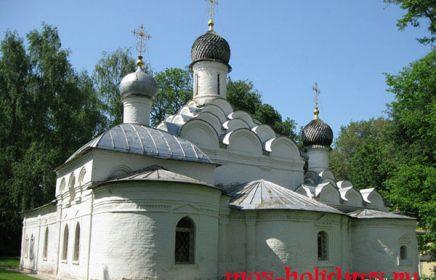 Храм архангела Михаила в усадьбе Архангельское