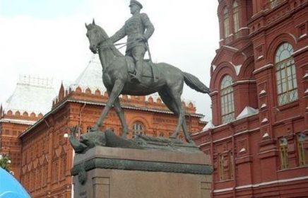 Автобусная экскурсия «Москва – военные шинели»