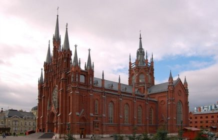 Автобусно-пешеходная экскурсия «Москва готическая»