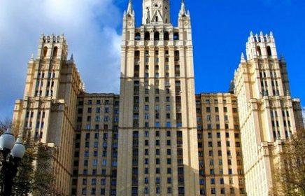 Сталинская высотка на площади Восстания