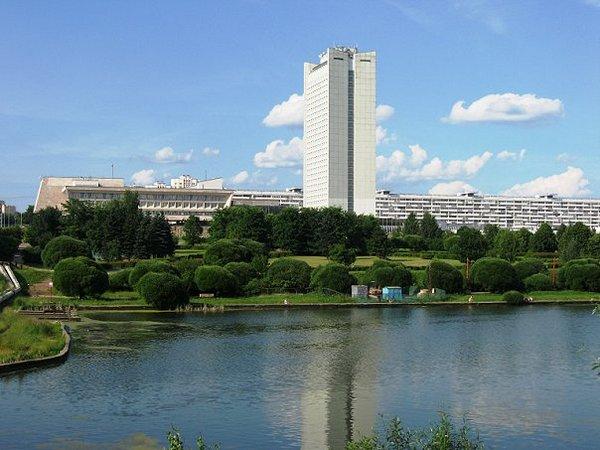 Большой городской пруд Зеленограда на Центральном проспекте
