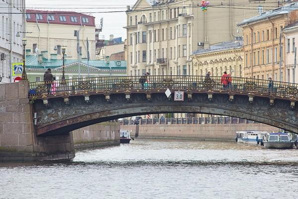 Большой Конюшенный мост в Санкт-Петербурге
