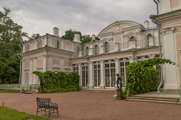 Китайский дворец в г. Ломоносов