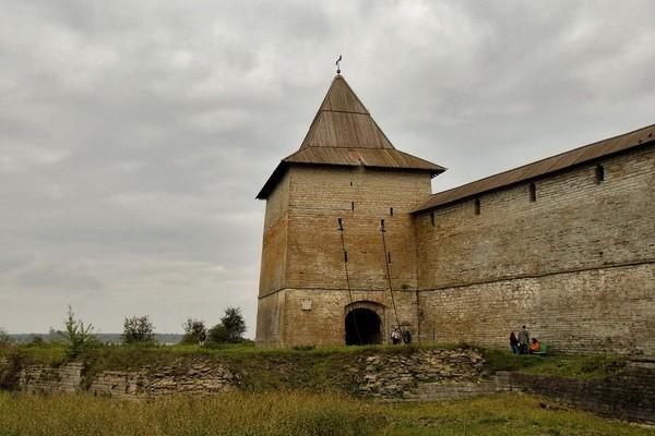 Государева башня в крепости Орешек