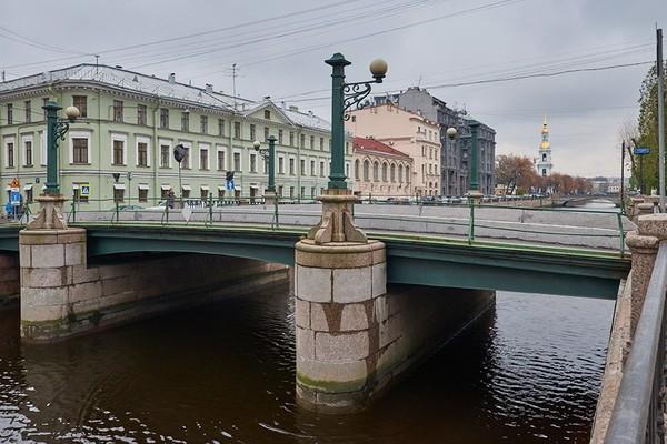 Торговый мост в Санкт-Петербурге