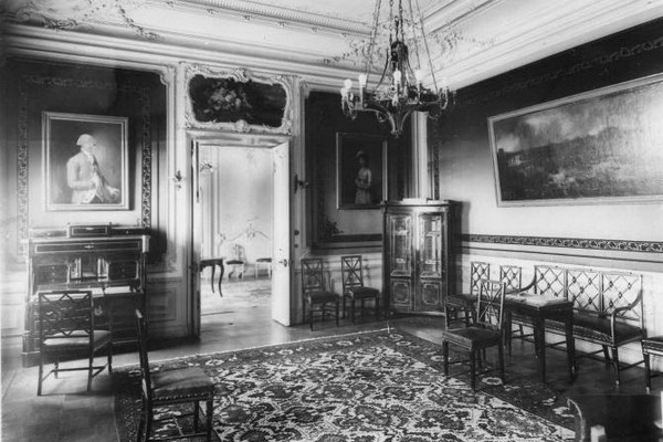 дворец великого князя михаила александровича английская наб