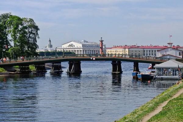 Кронверкский мост в Санкт-Петербурге