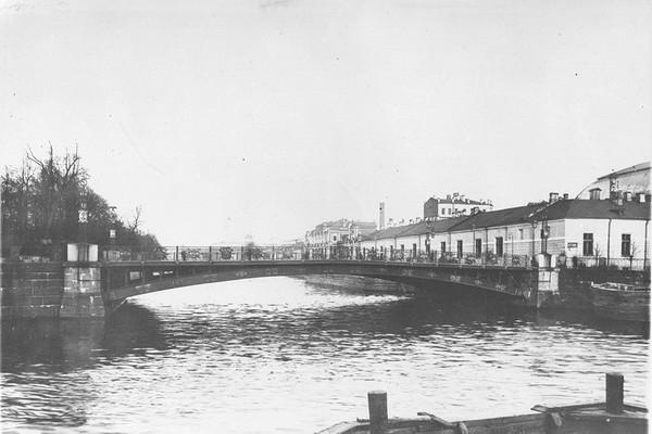 Пантелеймоновский мост в Санкт-Петербурге