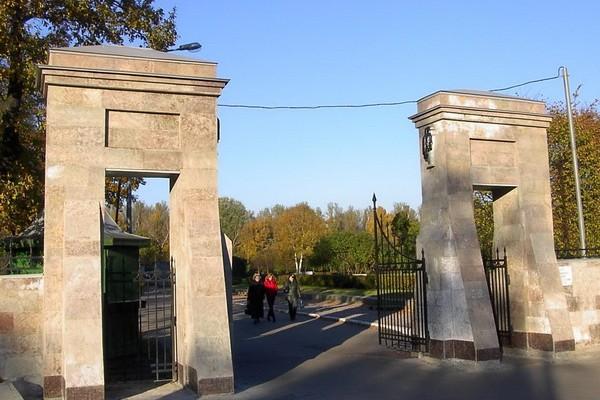 Серафимовское кладбище