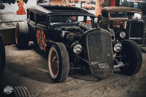 00fc6deae5c52 Выставка музея автомобилей Retro Car Show в ТРЦ «Питерлэнд» - Санкт ...