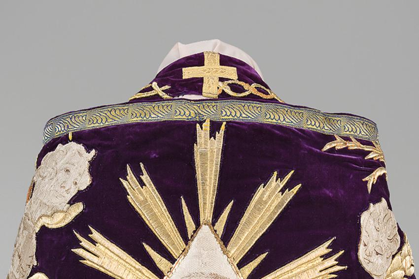 Выставка «Православные церковные облачения XVII – начала XX века в собрании Эрмитажа»