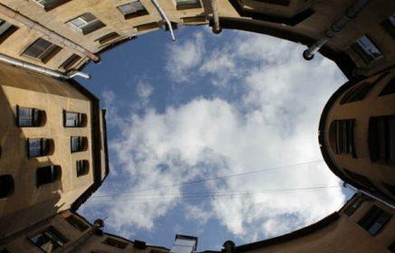 Пешеходная экскурсия «Дворы и парадные Санкт-Петербурга.» Уникальная атмосфера города вдалеке от туристических мест