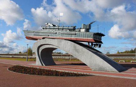 Выездная экскурсия в Ораниенбаум и Кронштадт