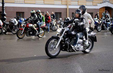 Прогулка по Санкт-Петербургу на мотоцикле!