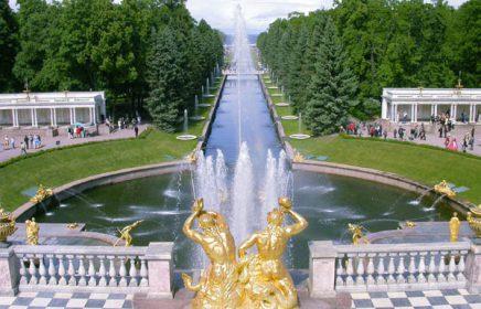 Выездная автобусная экскурсия «Петергоф: Большой дворец и парк»