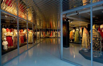 Выставка «Галерея костюма»