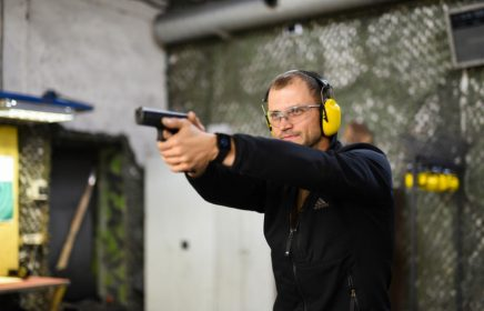 Где пострелять из боевого оружия в Санкт-Петербурге