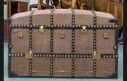 Выставка «Сундук с историей, или История с сундуком. Дорожный сундук Александра III»