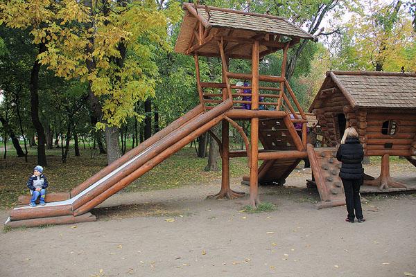 Горка в парке Аттракционов на ВДНХ