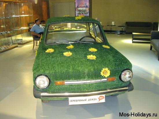 Фиторожей в музее ретро автомобилей Автовилль
