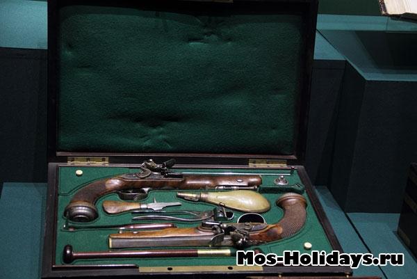 Дуэльный набор пистолетов. Музей-панорама Бородинская битва