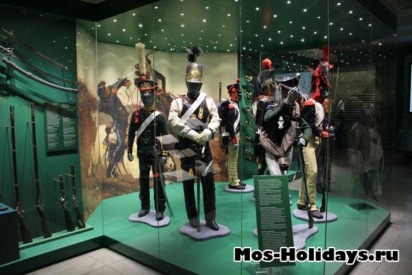 Войска российской и французской армии времен войны 1812 г. Музей-панорама Бородинская битва